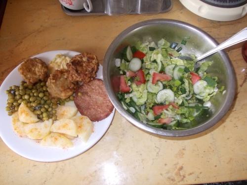 Hamb.snitel dov.maz.cartf.+salata
